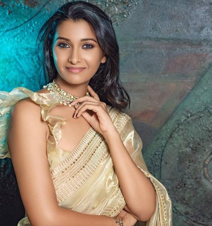 Priya Bhavani Shankar in gold saree by Ashwin Thiyagarajan-2