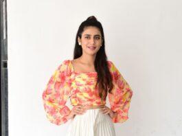Priya Prakash varrier in skirt and top for Ishq promotions-2