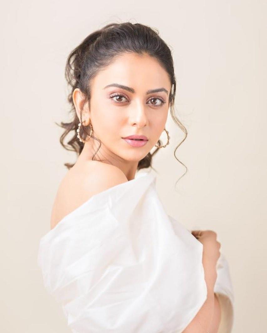 Rakul preet Singh in white jumpsuit by Shriya Som for No.1 Yaari