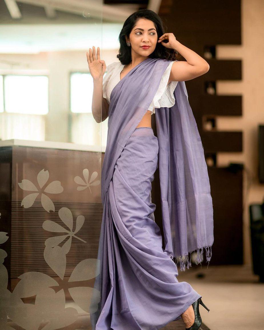 Ramya Subramaniam in Thenmozhi designs saree-2