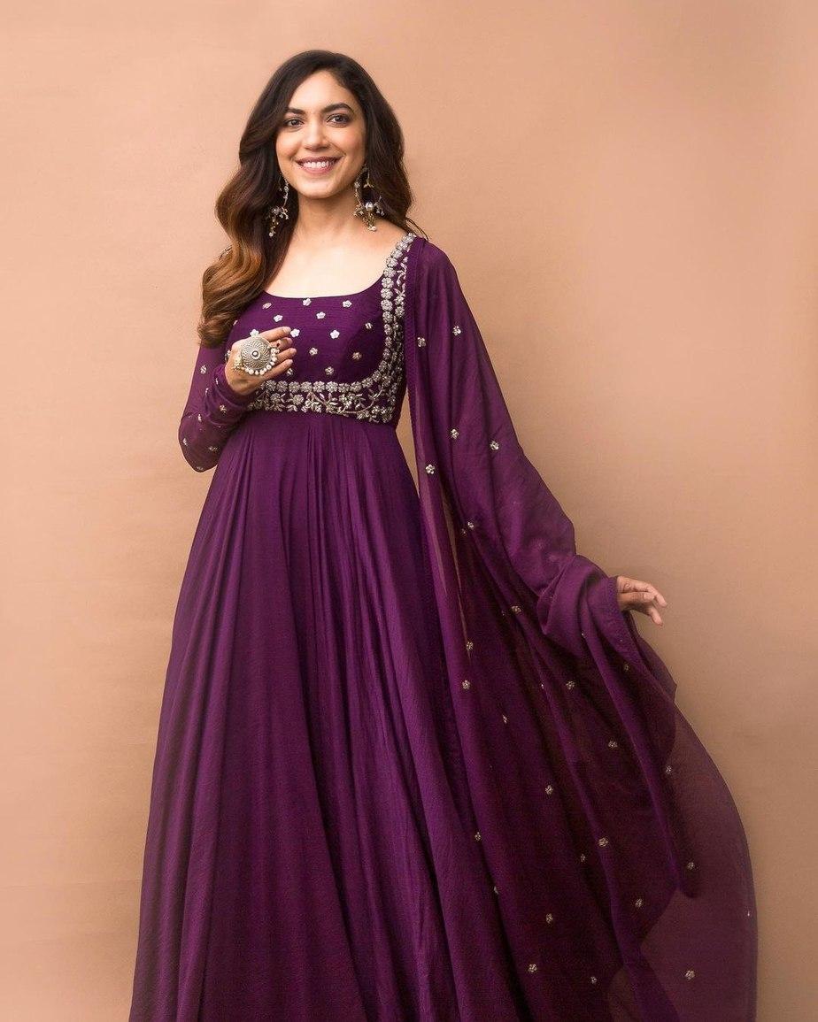 Ritu Varma in purple anarkali gown by Mrunalini rao for Tuck Jagadish promotions-2