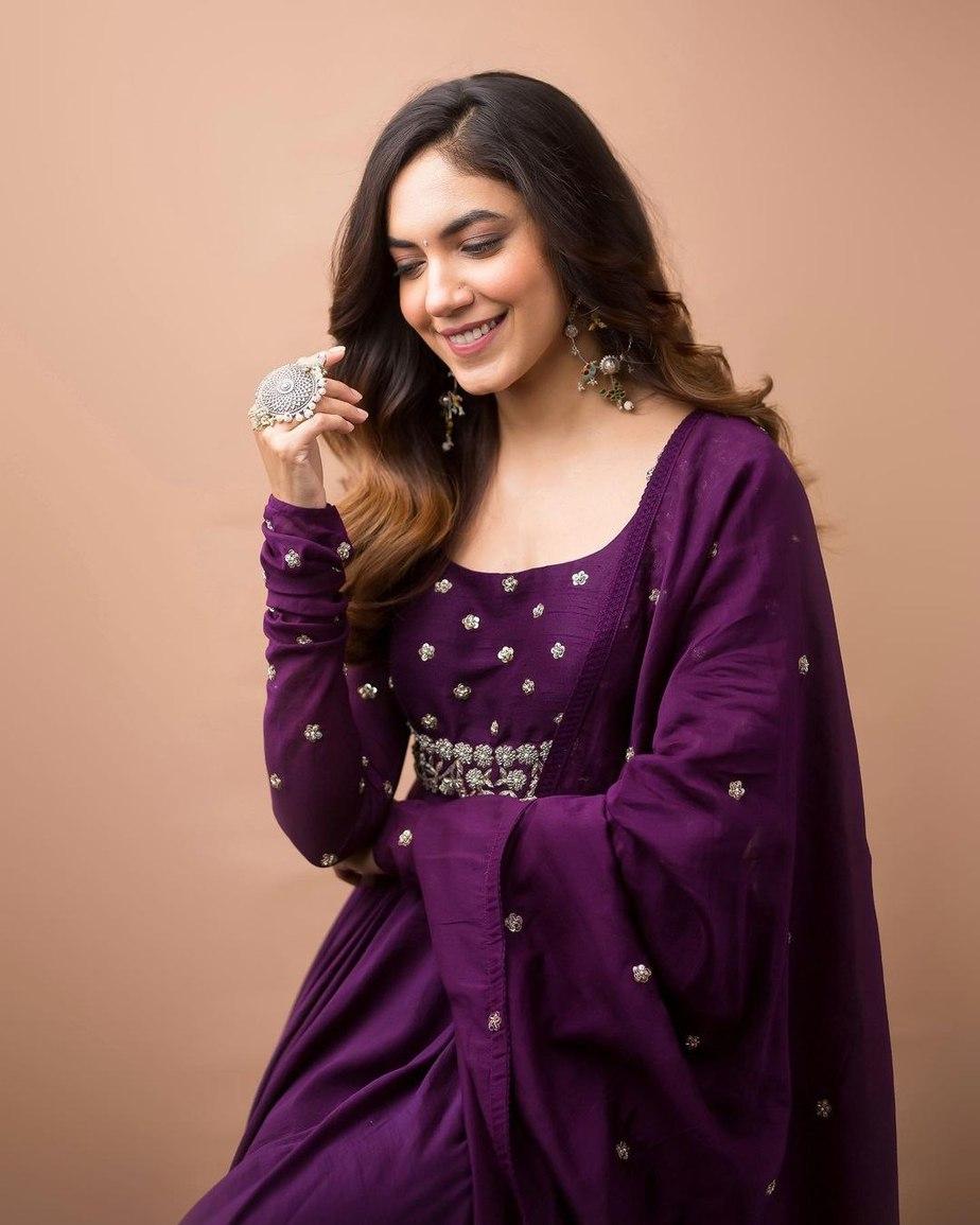 Ritu Varma in purple anarkali gown by Mrunalini rao for Tuck Jagadish promotions-3
