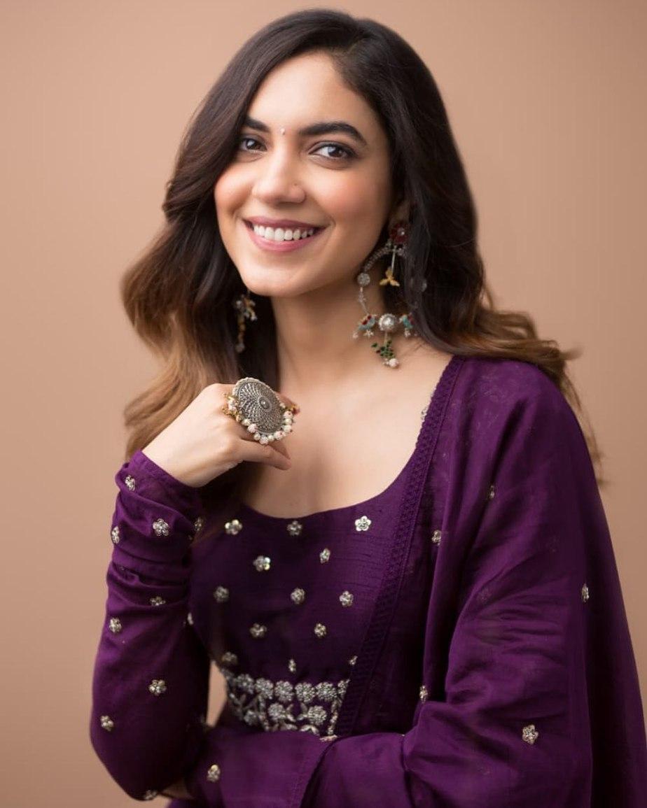 Ritu Varma in purple anarkali gown by Mrunalini rao for Tuck Jagadish promotions-4
