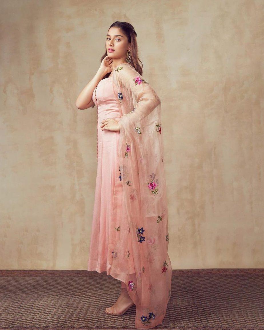 Saiee Manjrekar in Mahima Mahajan for Major movie promotions-2