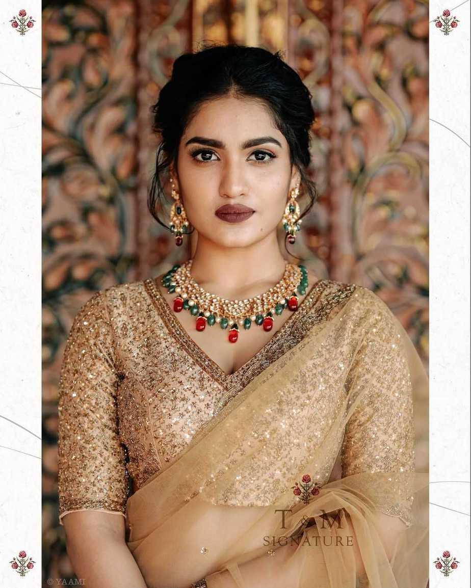 Saniya Iyappanin champagne gold T&M signature saree-1
