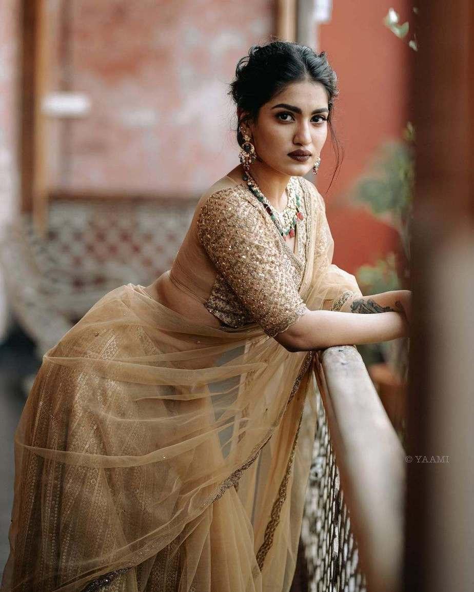 Saniya Iyappanin champagne gold T&M signature saree-4