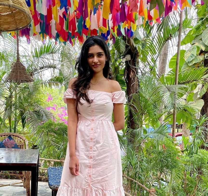 Shalini Kandukuri in baby pink forever new midi dress-1