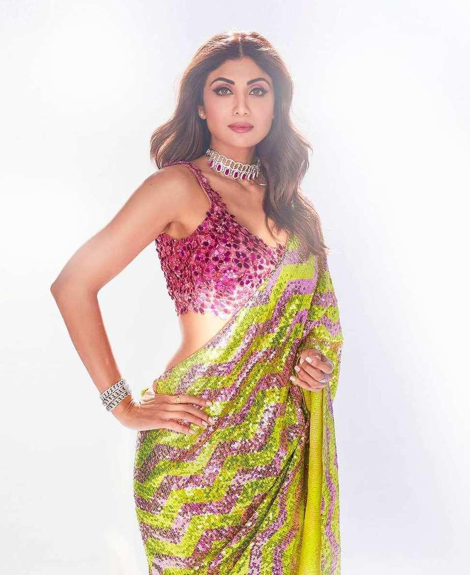 Shilpa Shetty in lime pink saree by akanksha gajria for super dancer 4-1