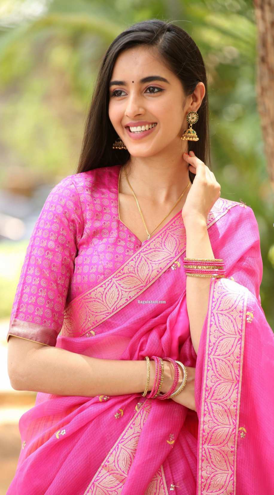 Simrat Kaur in pink half saree for Aadi new movie launch-1