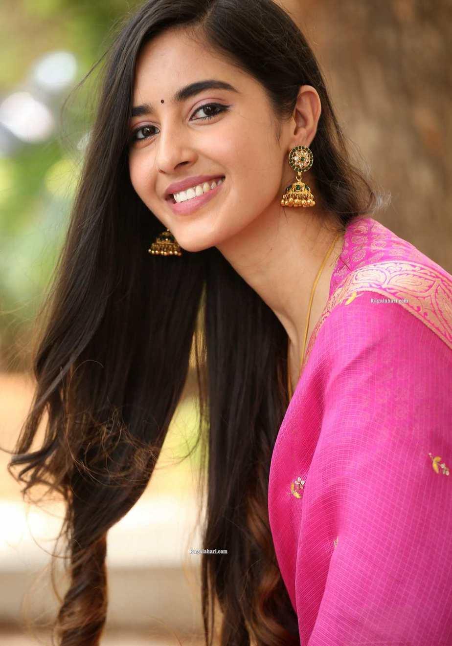 Simrat Kaur in pink half saree for Aadi new movie launch-2