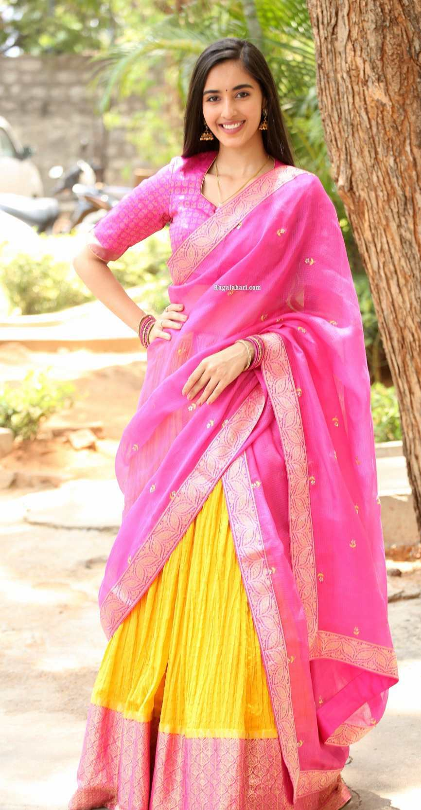 Simrat Kaur in pink half saree for Aadi new movie launch-3