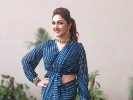 Sridevi Vijaykumar in peacock blue striped saree by Mugdha art studio for comedy stars-4