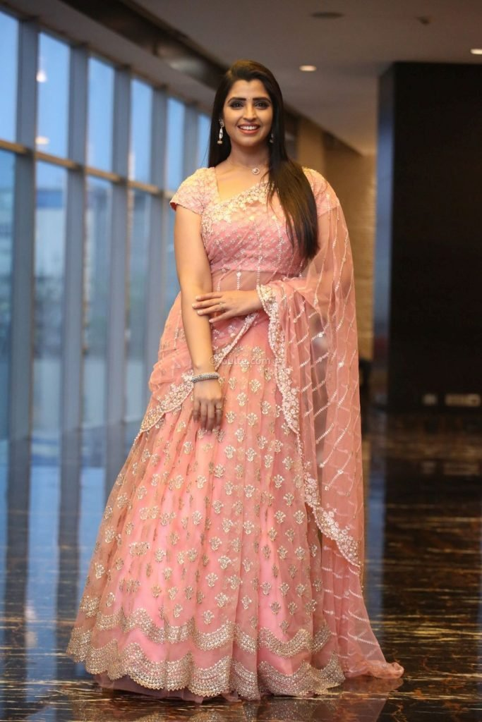 Syamala in peach lehnga by Royal designers for Ishq pre-release event-1