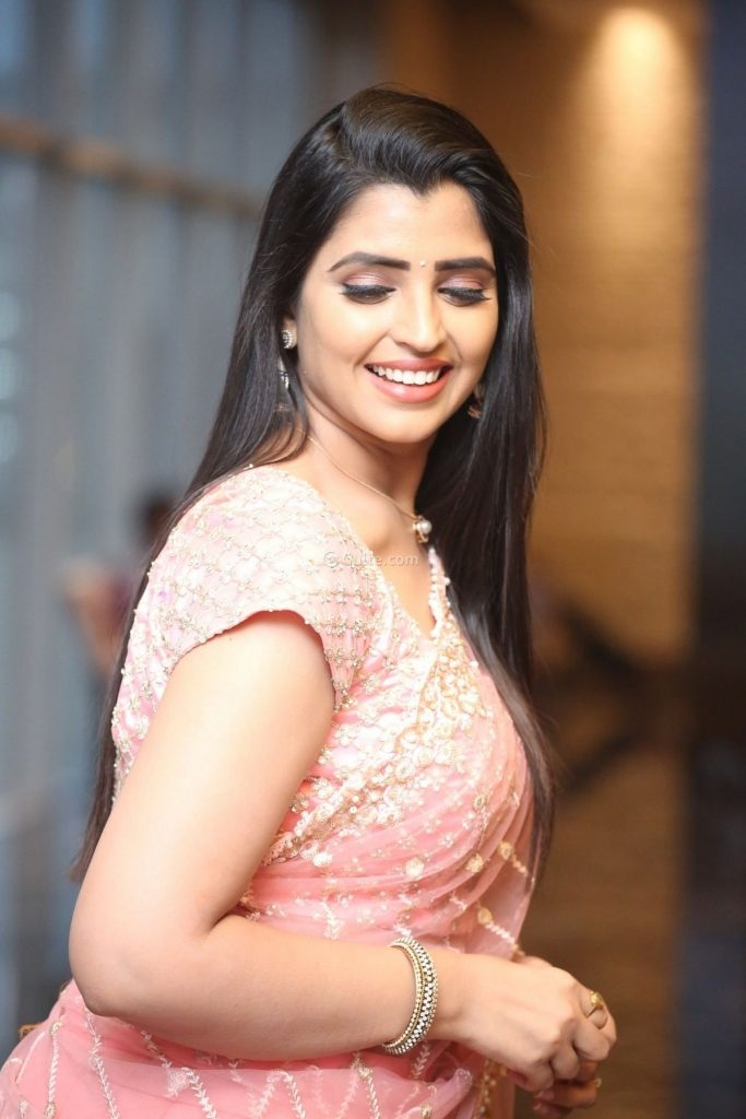 Syamala in peach lehnga by Royal designers for Ishq pre-release event-3