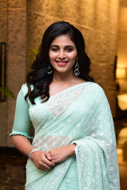 Anjali in mint green saree for magavu nee vijayam event for Vakeel saab-1