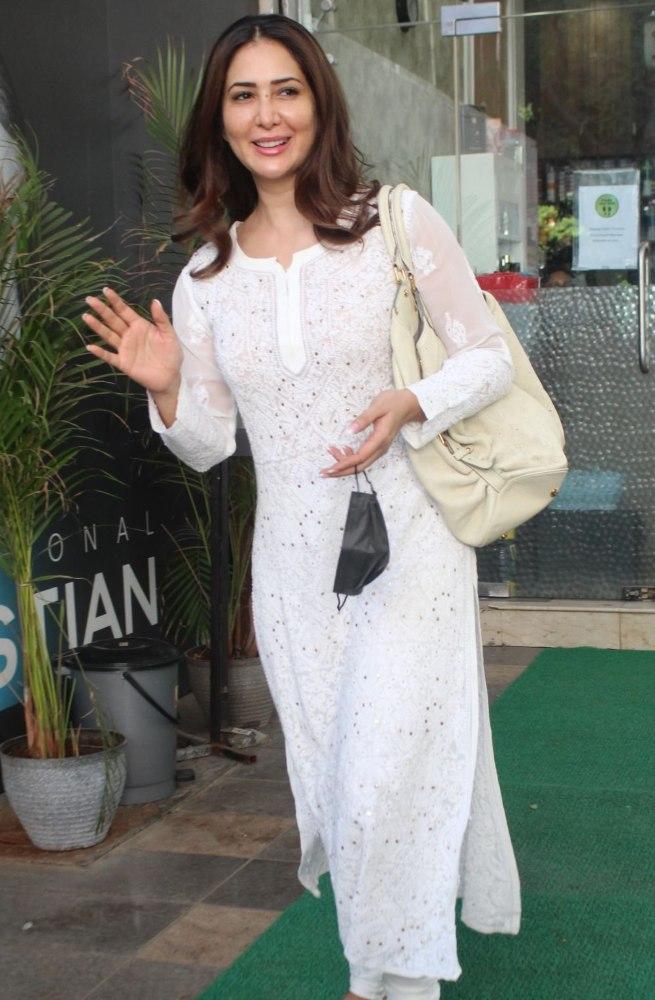 kim sharma in all-white look