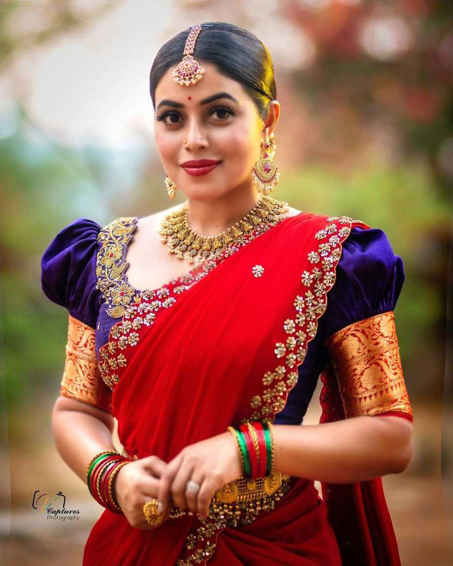 poorna in blue half saree by kowshiki couture-3