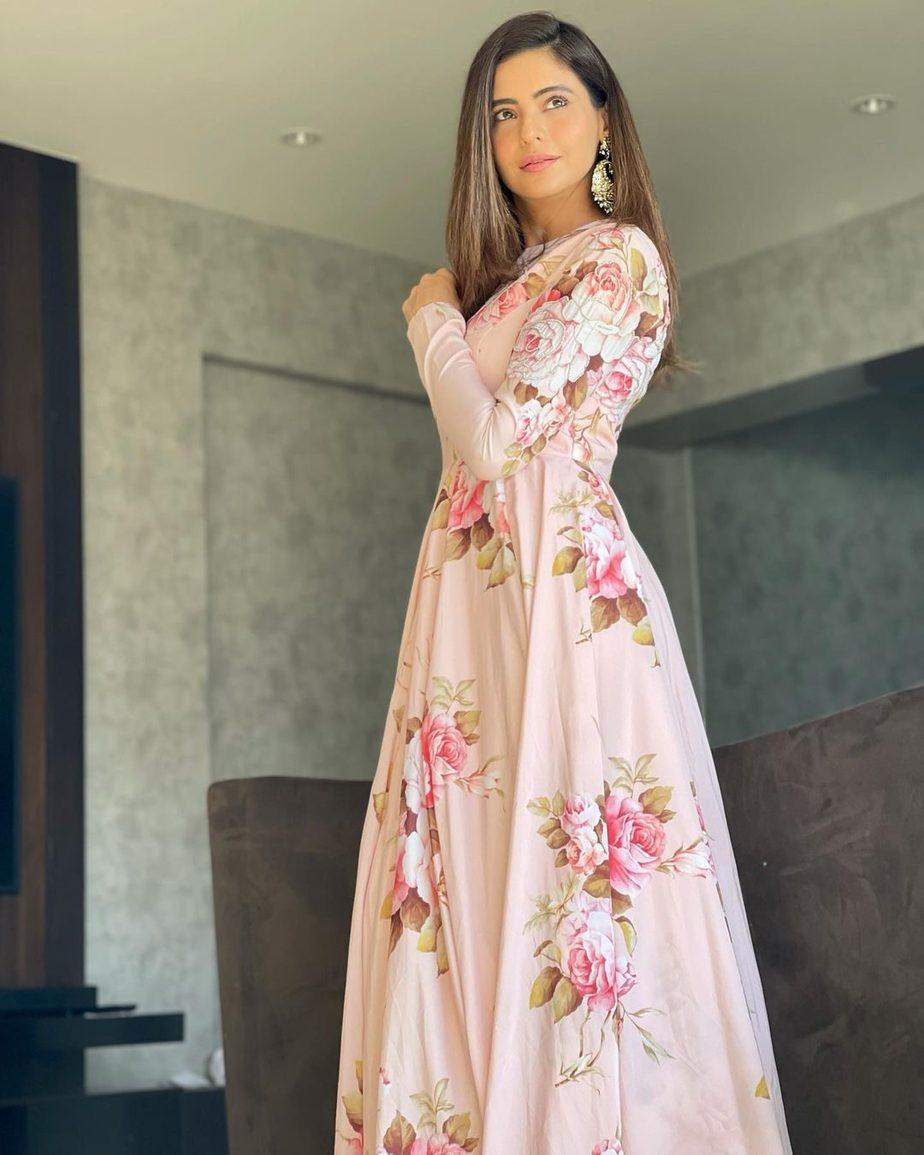 Aamna Sharif in Neha Chopra outfit