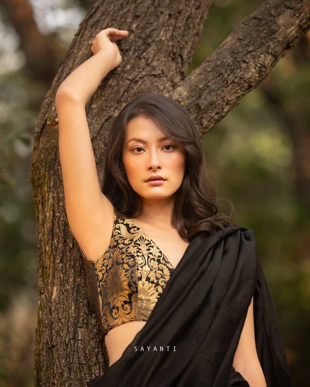 Black brocade blouse-sayanti ghosh-1