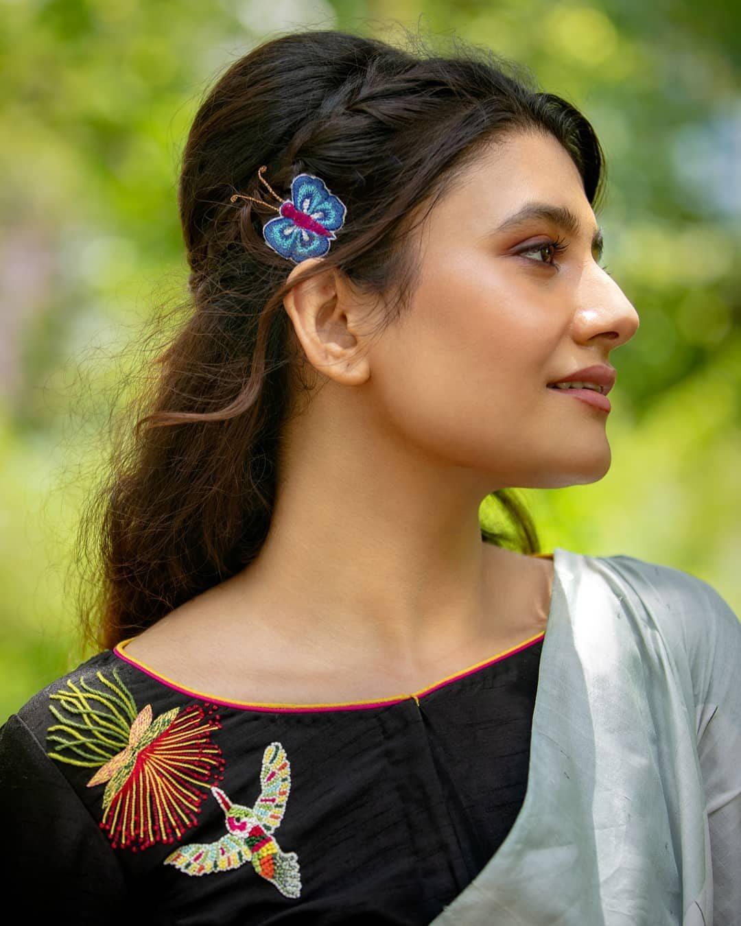 Black kingfisher multicolour embroidery blouse Sayanti Ghosh-1