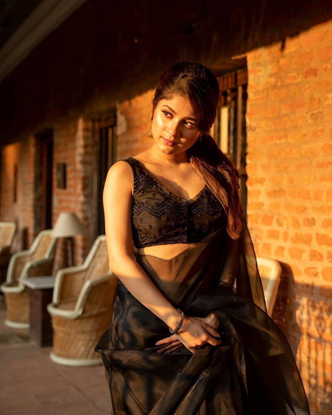 Black organza saree-Sayanti Ghosh-Party wear-1
