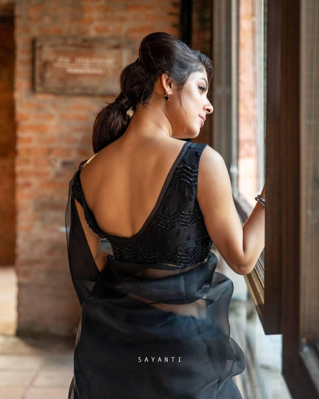 Black organza saree-Sayanti Ghosh-Party wear-2