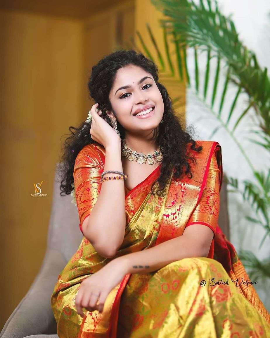 Faria Abdullah in a gold pattu saree