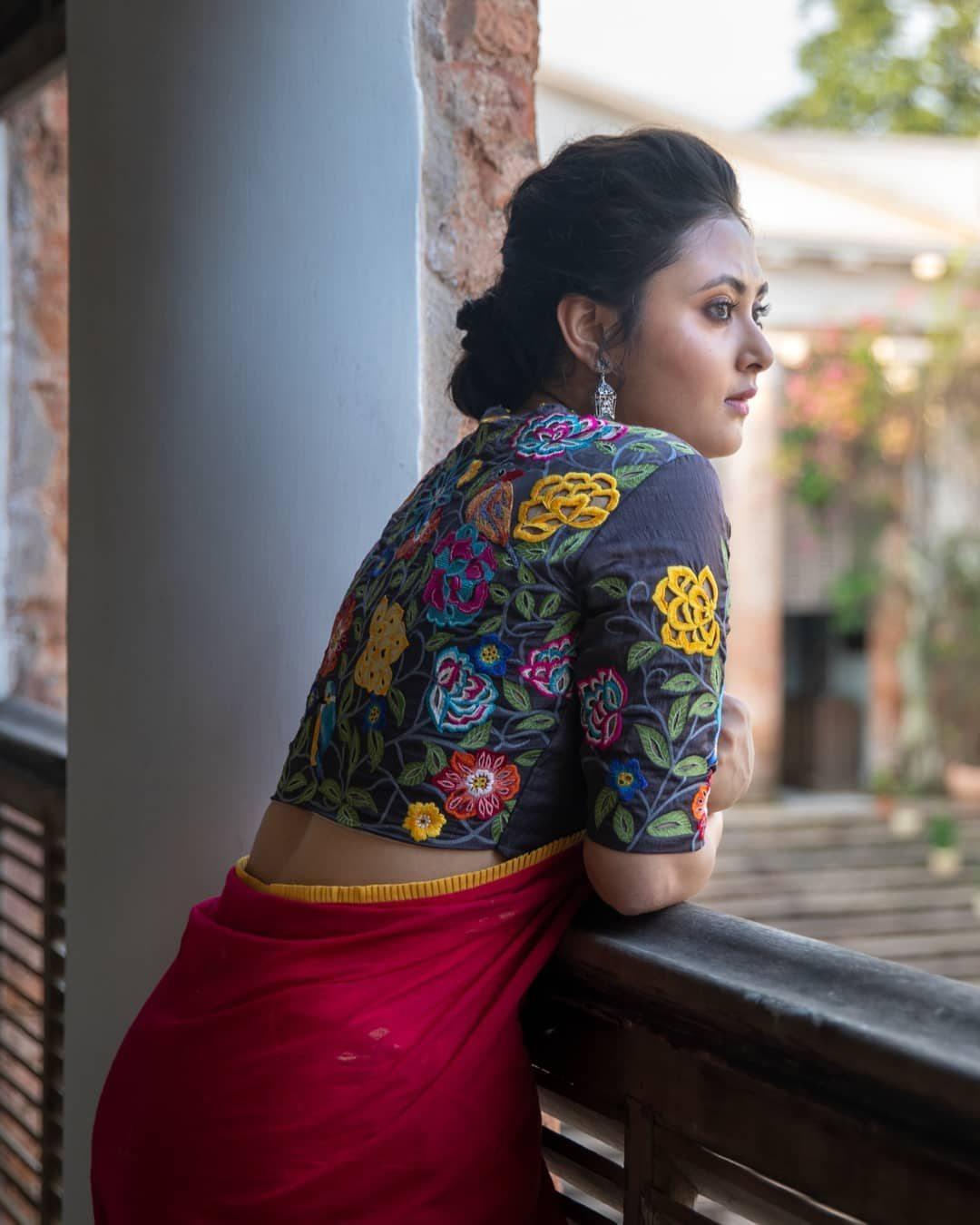 Garden embroidery blouse-Sayanti Ghosh-1