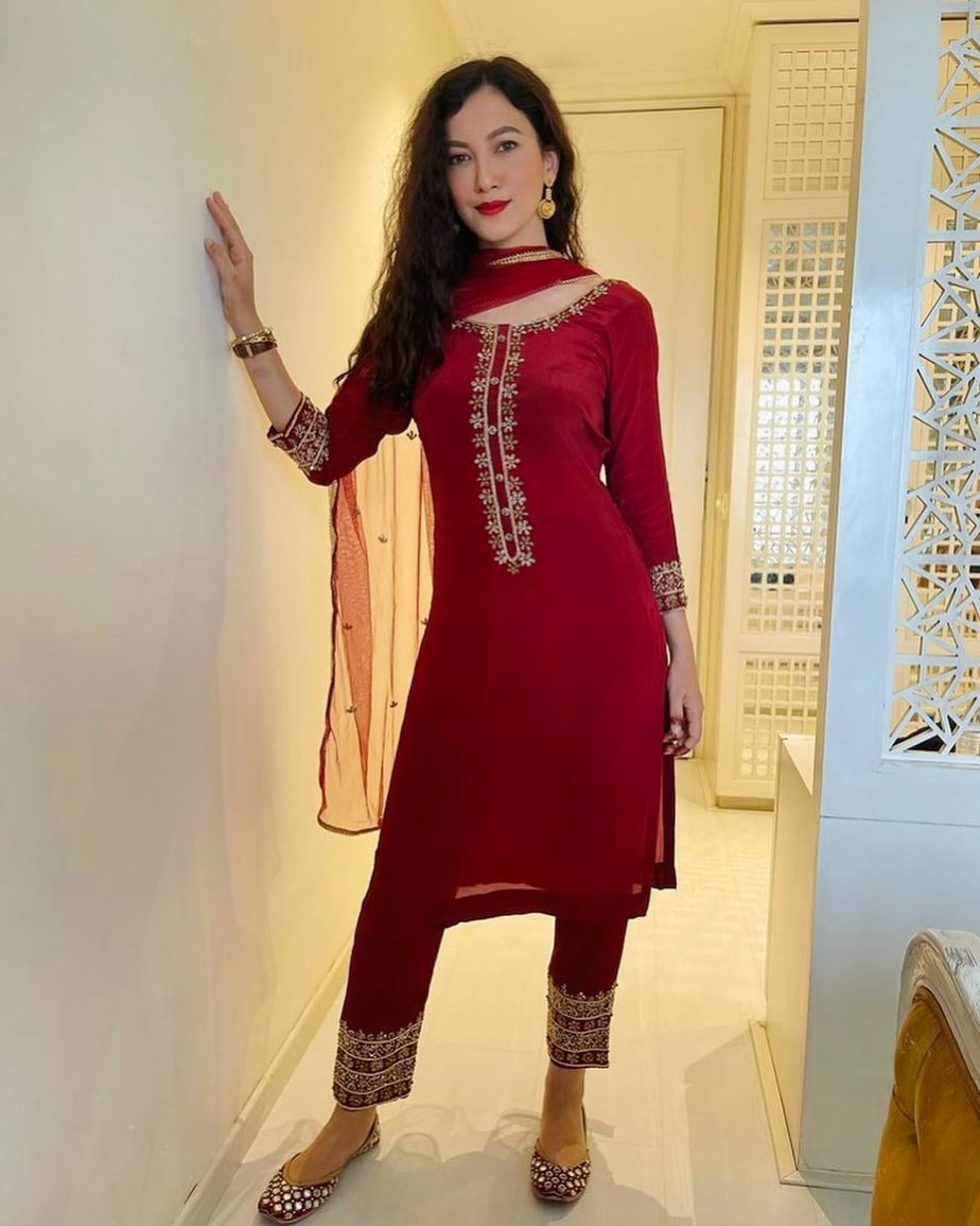 Gauahar kahn in red salwar suit by Emaani -2