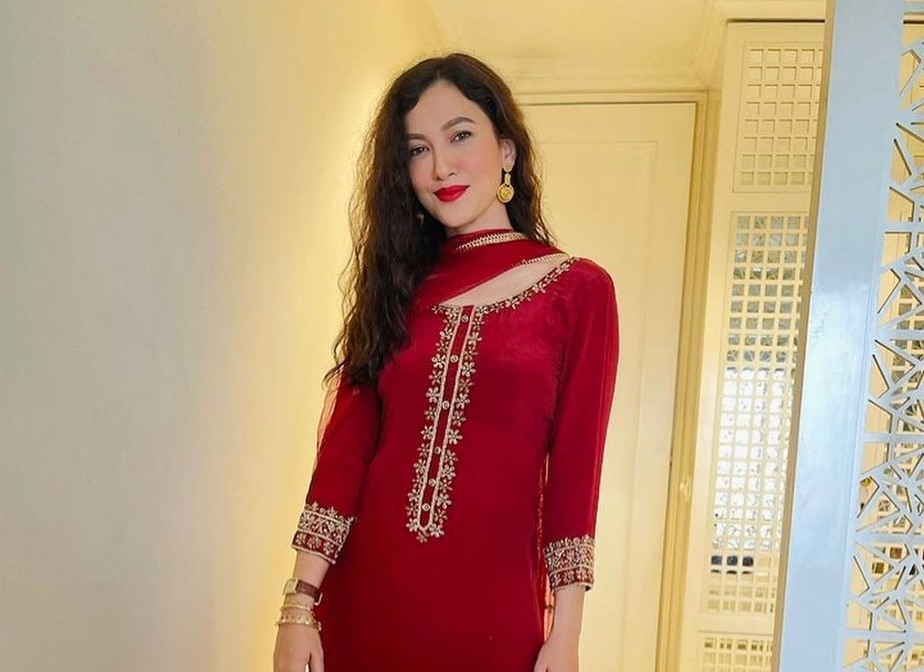 Gauahar kahn in red salwar suit by Emaani -3