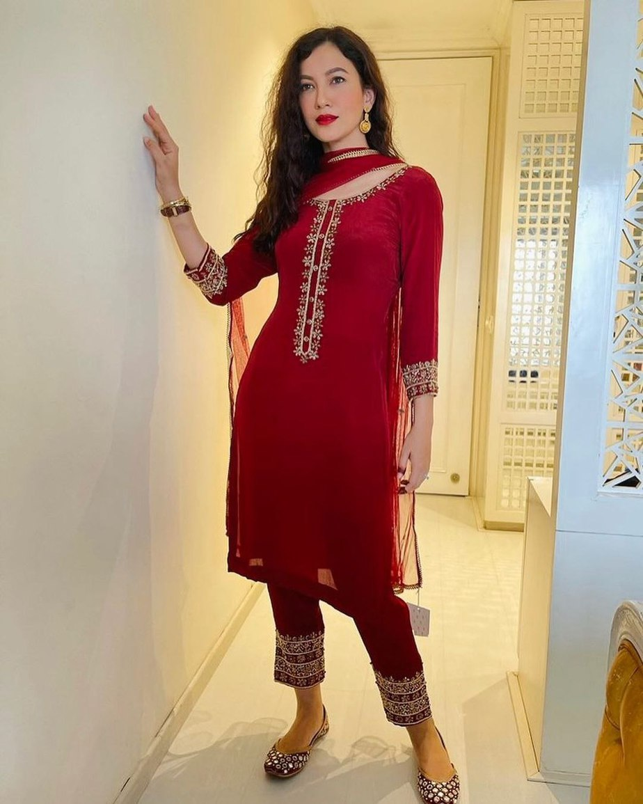 Gauahar kahn in red salwar suit by Emaani