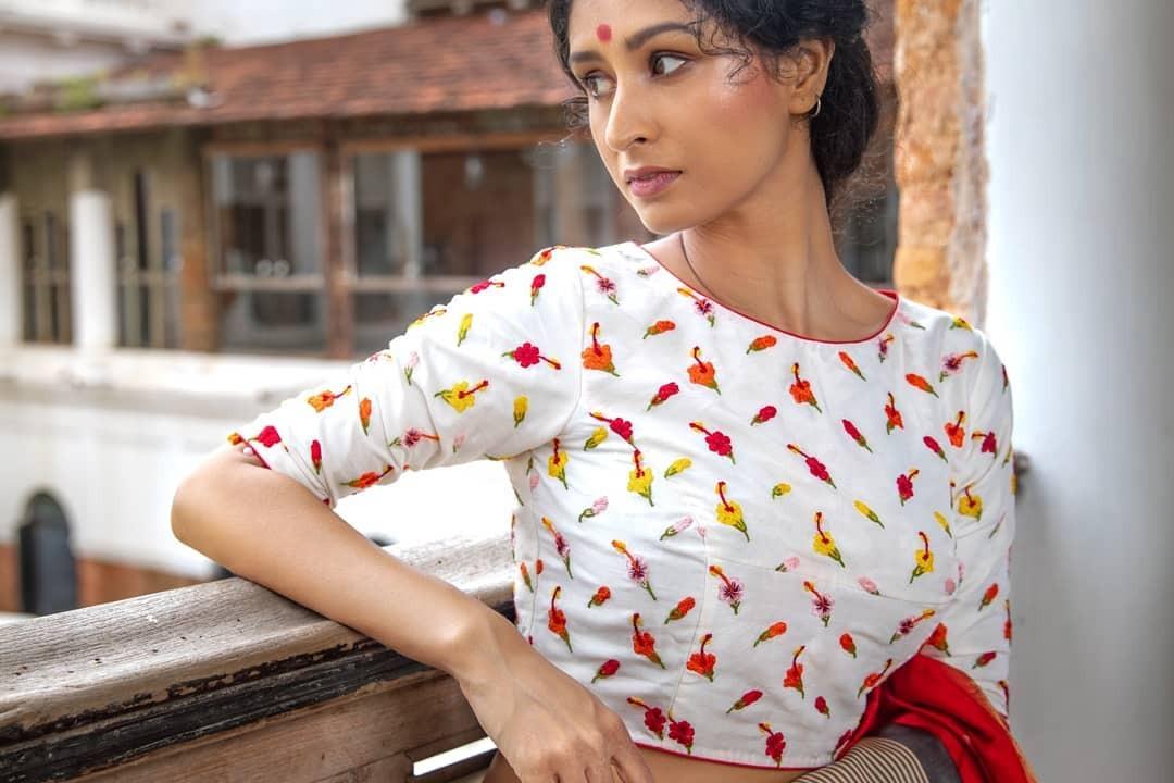 Hibiscus red saree-Sayanti Ghosh-1