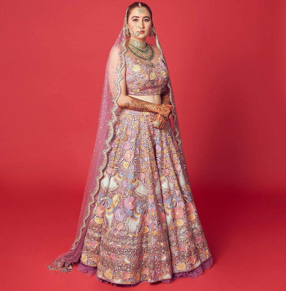Jwala Gutta in Rimple and Harpreet lehenga for her north Indian wedding-2 (1)