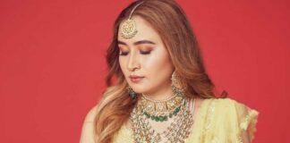 Jwala Gutta in yellow lehenga by Seema gujral for her mehendi-2