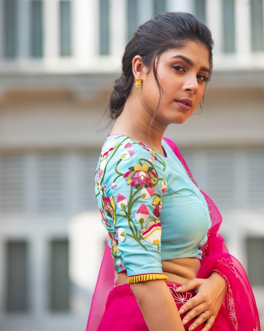 Lotus embroidered blouse-sayanti ghosh1