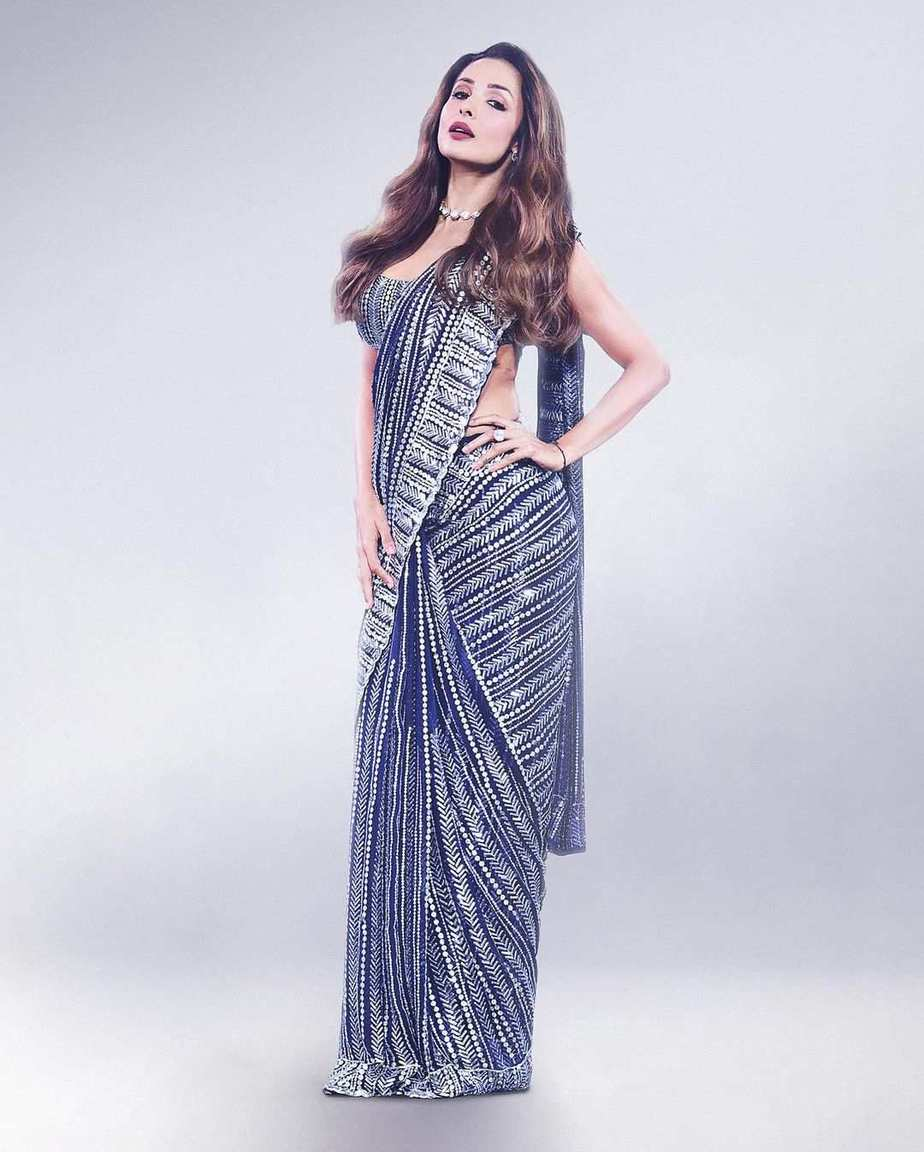 Malaika Arora in blue Manish Malhotra saree for super dancer 4-2