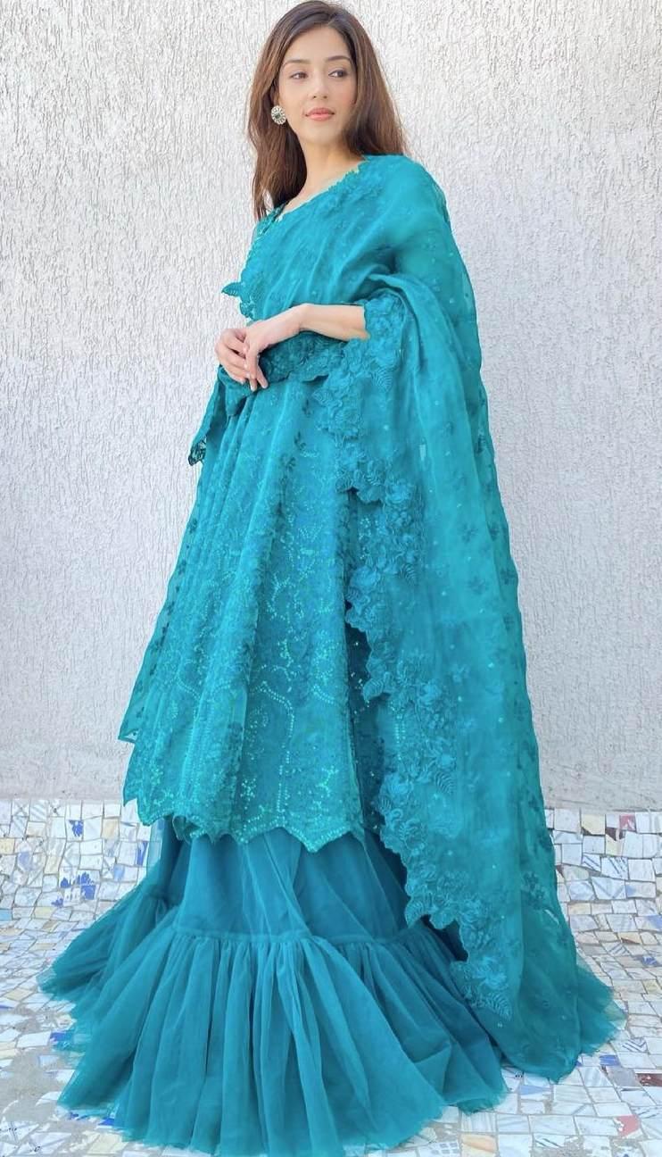 Mehreen Pirzada in green kalidar by Zainab Salman for eid-1