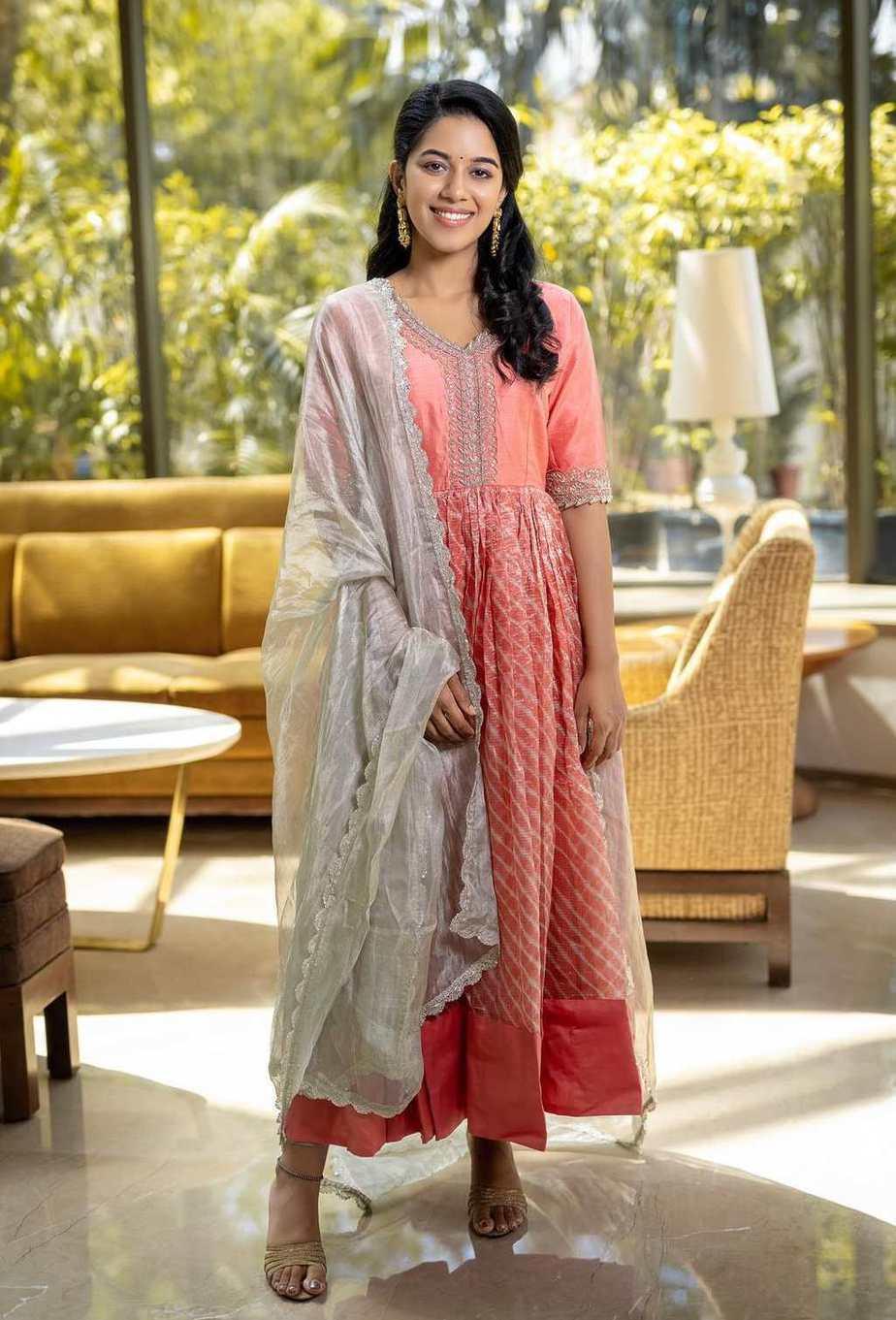 Mirnalini Ravi in a peach salwar suit by AARNA LABEL-1