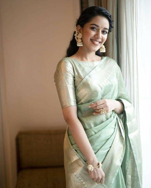 Mirnalini Ravi in mint green pattu saree for MGR Magan launch -2