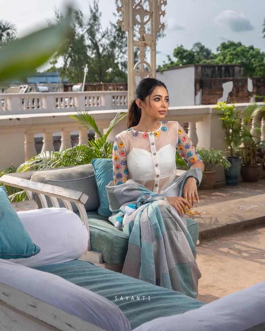 Multi colour florall white organza blouse with silk saree-Sayanti Ghosh-1