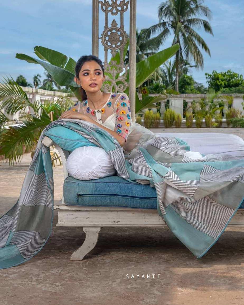 Multi colour florall white organza blouse with silk saree-Sayanti Ghosh-2