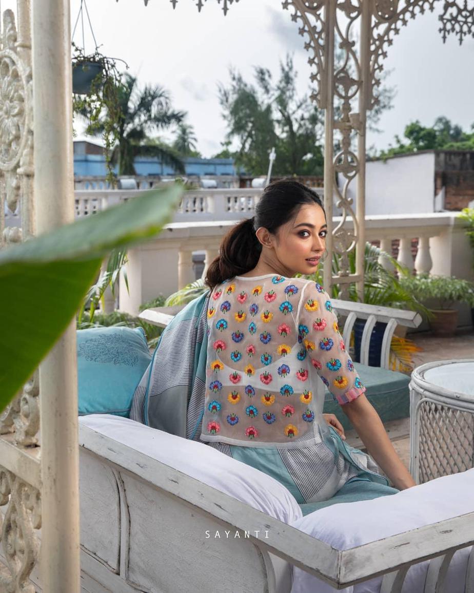 Multi colour florall white organza blouse with silk saree-Sayanti Ghosh