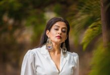 Priyamani in white jacket and skirt by feathers boutique for dhee kings-1