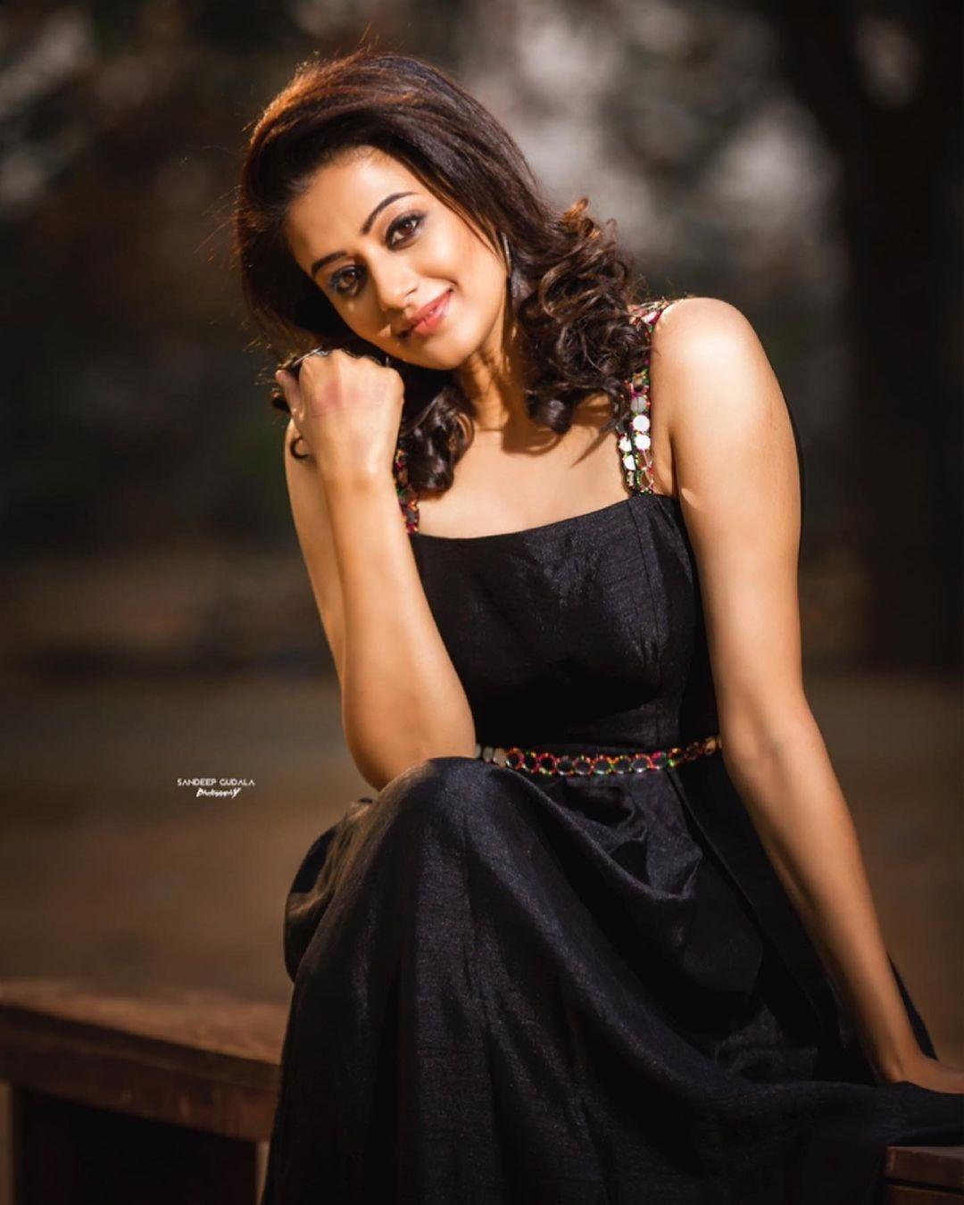 Priyamani raj in a custom made black dress my mehak shetty for dhee kings-2