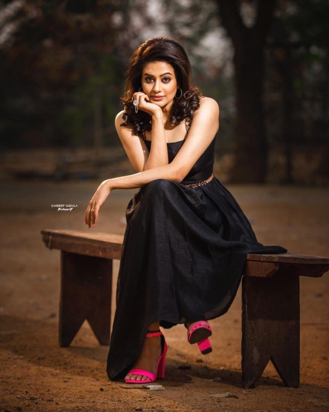 Priyamani raj in a custom made black dress my mehak shetty for dhee kings-4