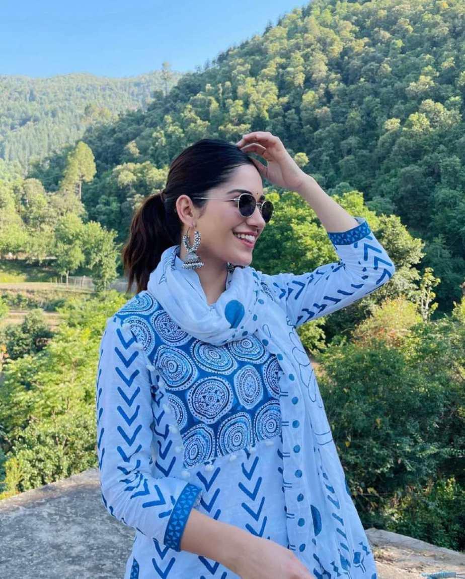 Ruhani Sharma in off white Kurta set by Mehi Jaipur-3