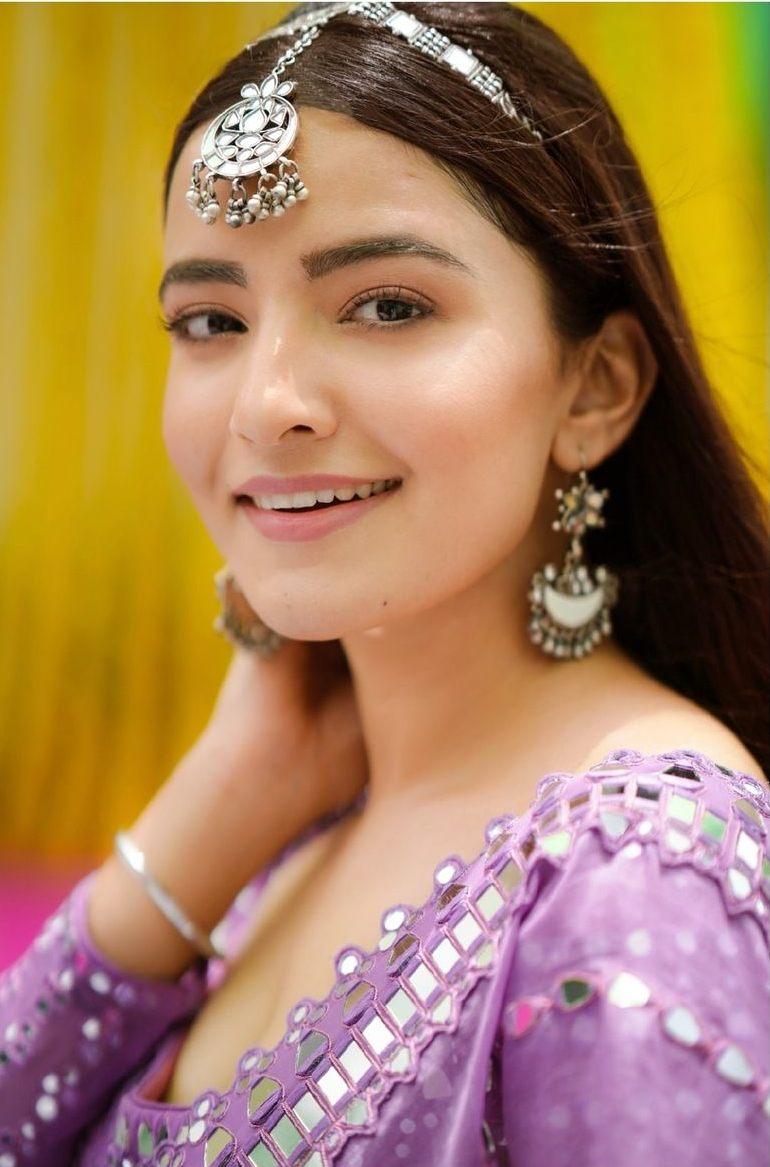 Rukshar Dhillon in purple lehenga for Vvani for sister's sangeet-3
