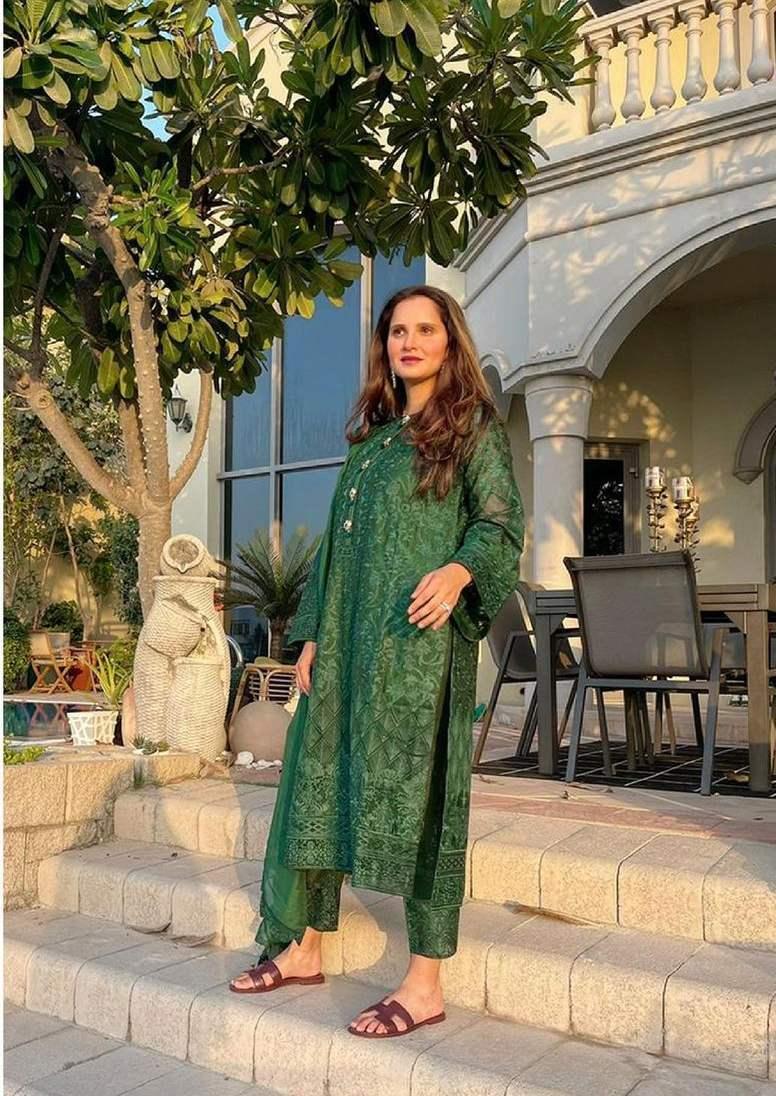 Sania Mirza in green kalidar by Nomi Ansari-1.1