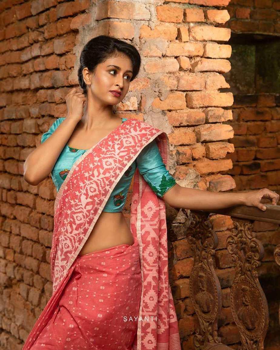 Saptami hand-painted blouse-Saayanti Ghosh-1