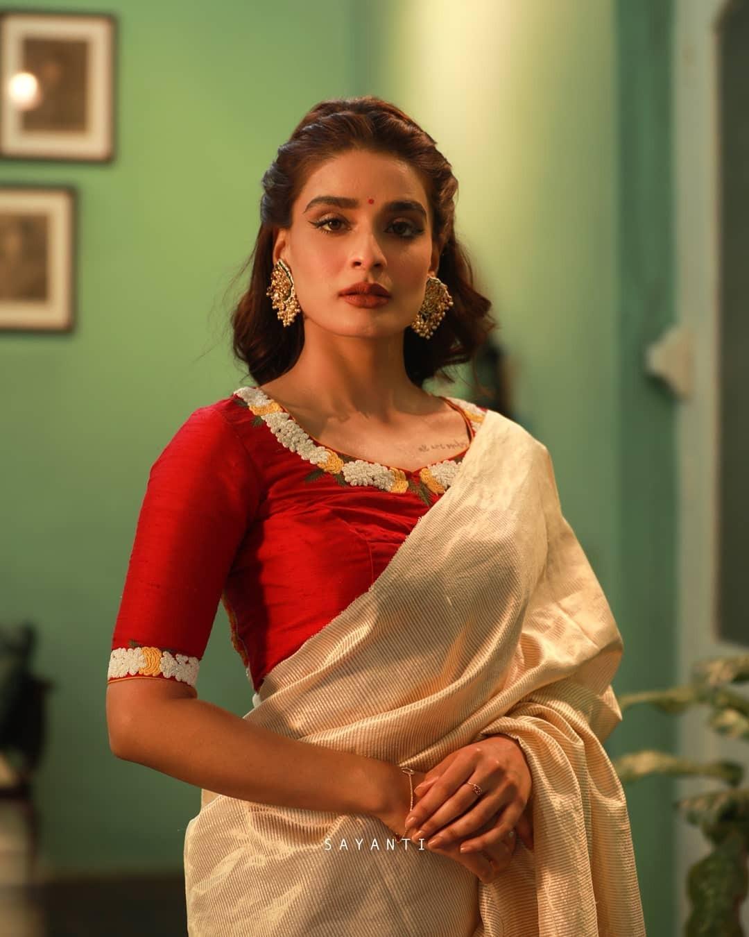 Saptapadi wedding blouse-Sayanti Ghosh